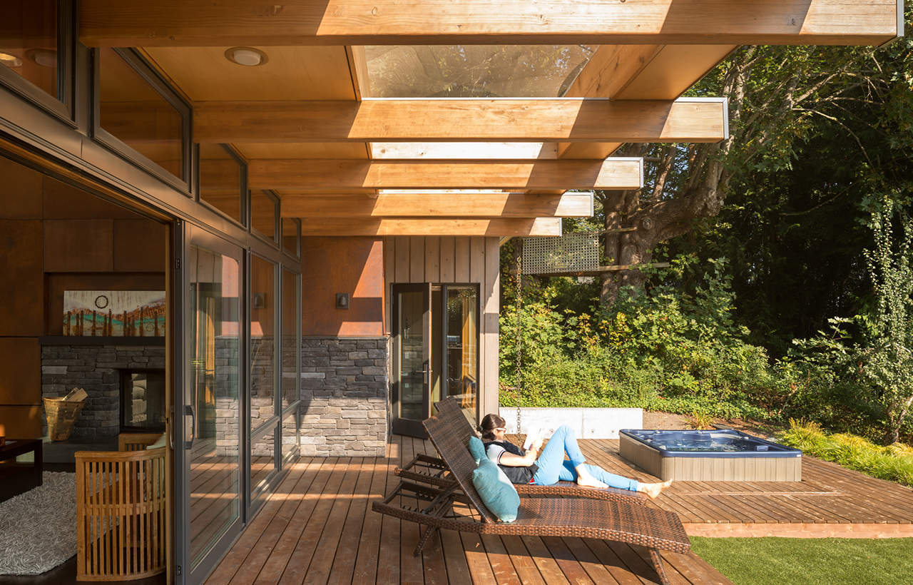 Bainbridge Island Retreat Deck. Coates Design Architects
